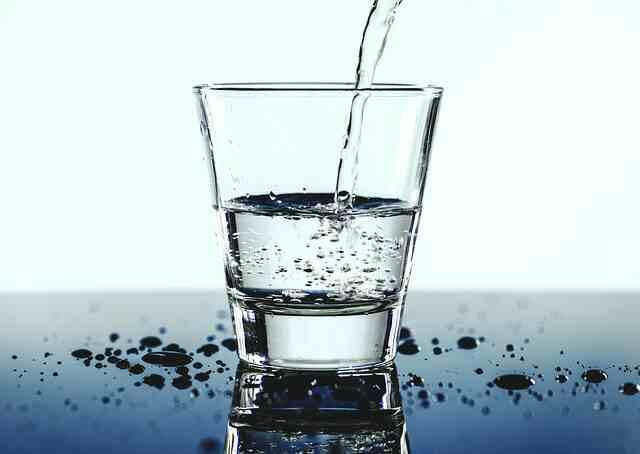 Minum 8 Gelas Air Perhari | arum.me