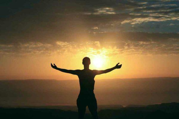 Ritual Setiap Pagi Selama 10 Menit Agar Bahagia Seharian | arum.me