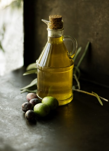 Manfaat minyak zaitun untuk keindahan rambut   arum.me